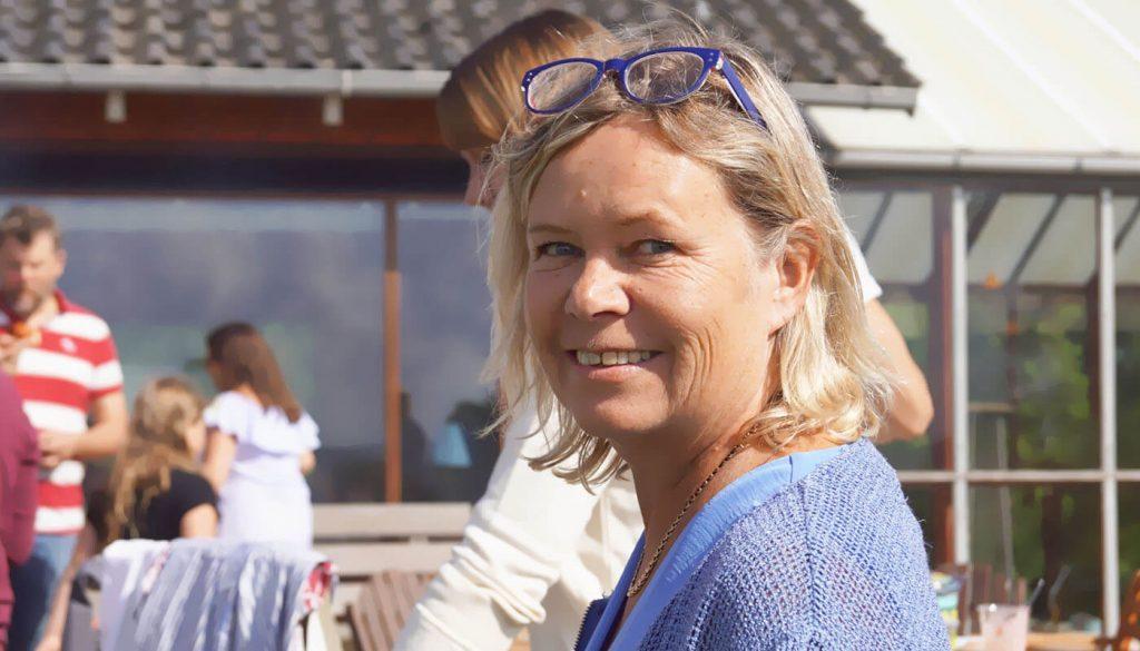 Helle Holm Schmidt Englegaarden - sørge for din lejlighed spiller