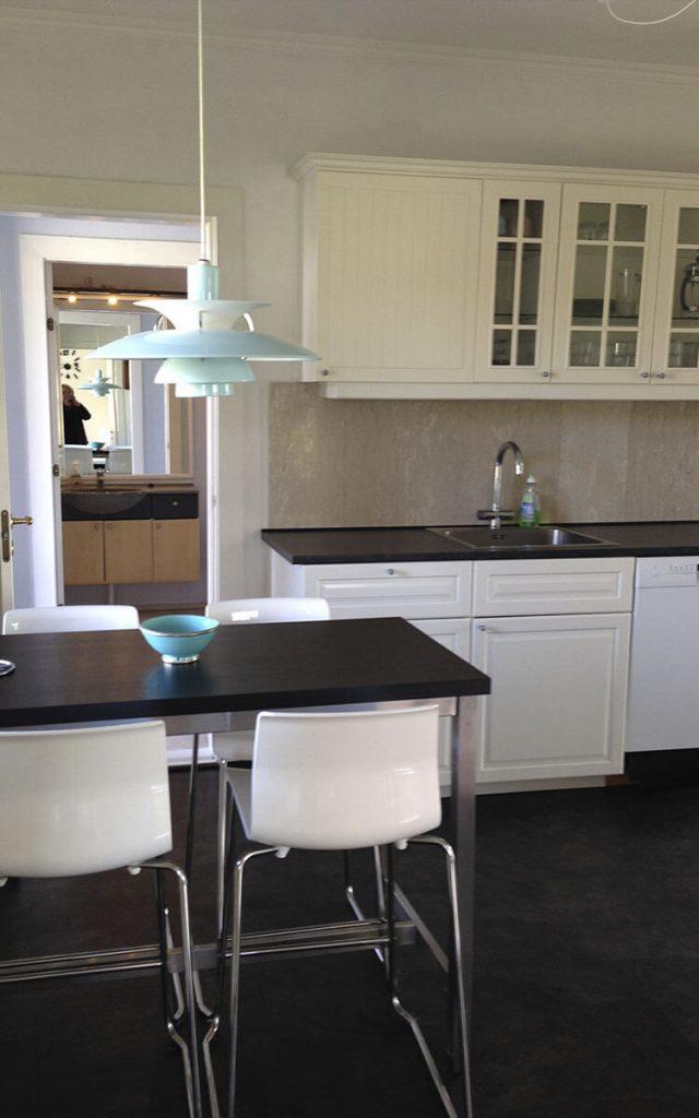 Dejligt stort køkken til lejlighed 402B, med dejlig ph lampe lidt ude for roskilde